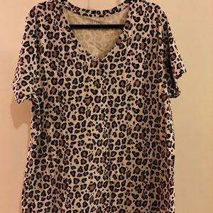 Women's plus size leopard shirt